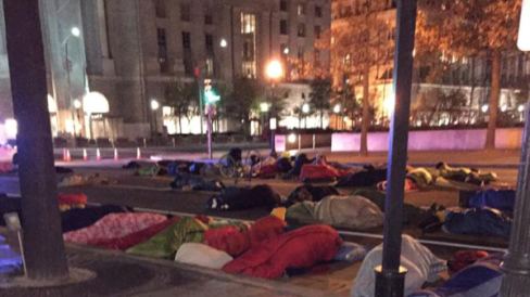 Covenant-House-Sleep-Out-Participants-in-Freedom-Plaza-600x338